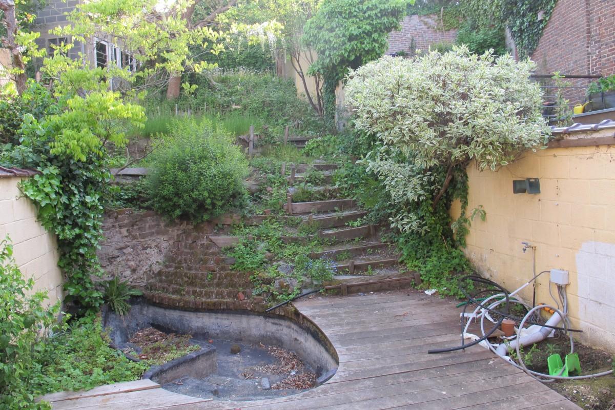 Jardin de bruxelles pavage et murets de soutenement walgreen for Ecran de jardin belgique