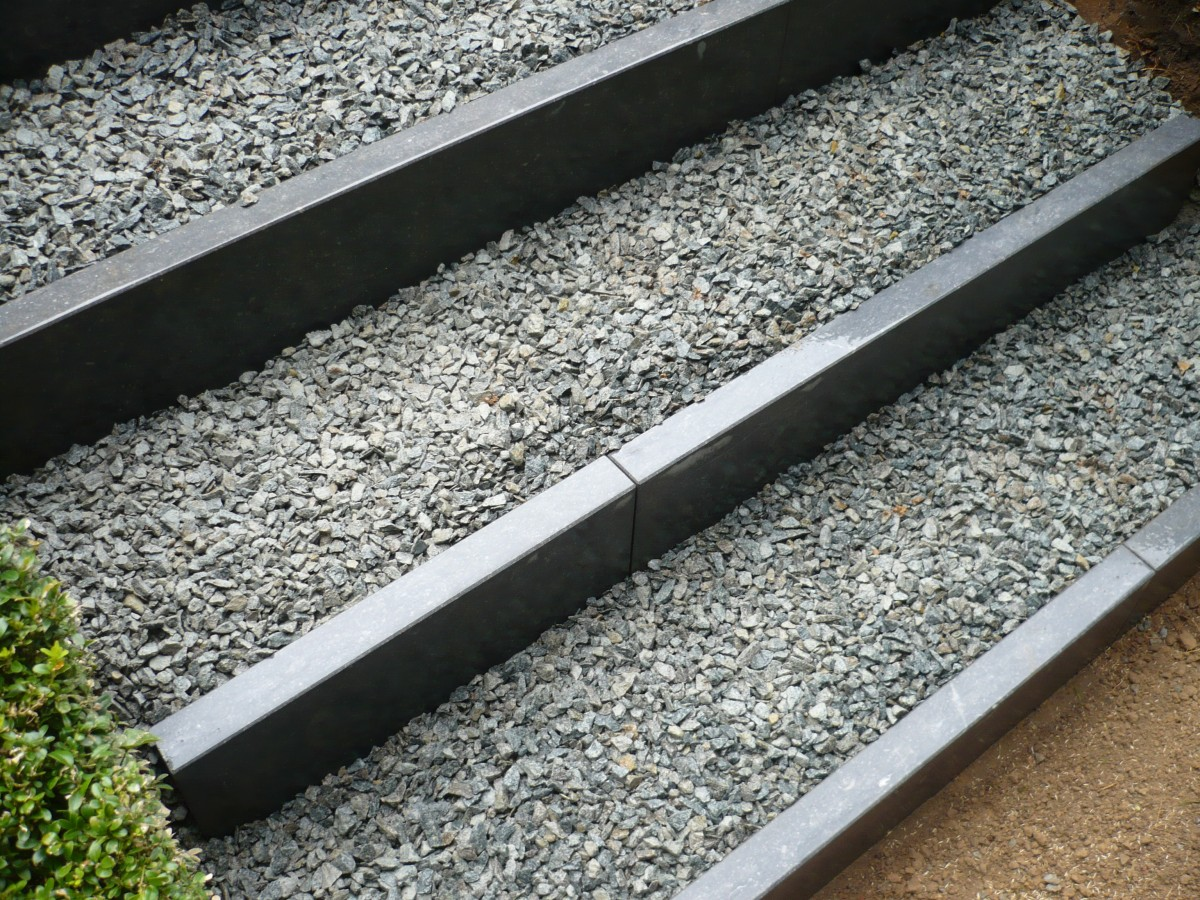 Escalier graviers et pierre bleue | Walgreen